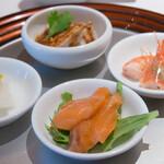四川豆花飯荘 - 四種冷前菜