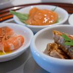 四川豆花飯荘 - 四種冷前菜(別角度)