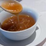 四川豆花飯荘 - ふかひれスープ