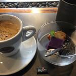 ステーキハウス神楽 - デザートとコーヒー