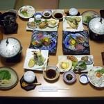 鴨川ユニバースホテル - 鮑踊り焼き付き海鮮会食