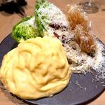 124088436 - リトルジェムレタスのサラダ 濃厚なカニ味噌クリーム