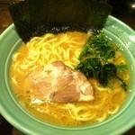 銀家 - ラーメン (600円)