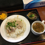 ゴールデン バガン - 1日10食限定のランチセット950円(税込)   メインにカオマンカイをチョイス