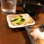 くし焼き 狄 - 漬物とお汁