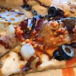 800°ディグリーズ ナポリタン ピッツェリア - 寒ブリと冬大根のピッツァに辛いのをかけました♪