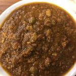124107256 - キーママタール(鶏挽き肉とグリンピースのカレー)アップ