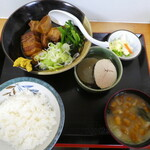 江戸家 - 豚の角煮定食980円
