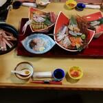 海鮮問屋 博多 - 全景。とても豪華で、思わずうなりました。