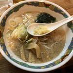 特麺コツ一丁ラーメン - ラーメン 麺半分 ニンニクあり チャーシュー抜き