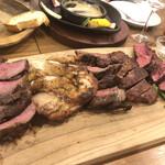 124125690 - 八百八の肉盛り5種