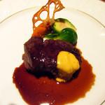 Esukaiyakurabu - 和牛ヒレ肉のステーキ デュエットソース