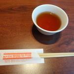 神戸元町別館 牡丹園 - お箸とお茶