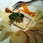 レストランバー DURAN - チーズ盛り合わせ