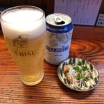 純手打ち 麺と未来 - 缶ビール 500円(つまみ付き)