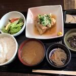 黒ぶたちんとん - 料理写真:10食限定!とろ~り角煮定食