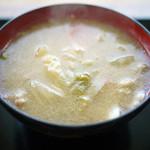 タケヤ味噌 みそ会館 - 料理写真:具だくさんとん汁~☆