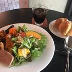 カフェレストラン ルシェッロ - サラダランチ