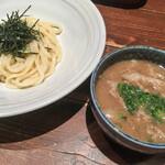 うどん伊呂波 - 牛肉つけうどん(820円)