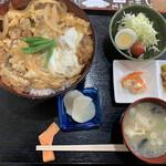 マメ助 - 料理写真:カツ丼730円