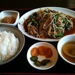 寿飯店 - ニラレバ定食