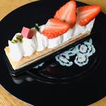 セトロワ - 生クリームと苺のケーキ
