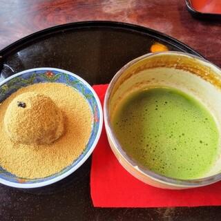 岩井屋 - 料理写真:いわい団子セット ¥960(税込)