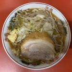 ラーメン二郎  - 料理写真:ラーメン(半分) 730円 [呪文]ヤサイスクナメ、ニンニクスクナメ