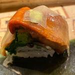 旬席 鈴江 - 鹿児島の赤貝と菜の花のお寿司