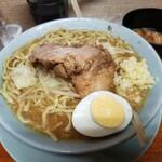ラーメン富士丸 - 料理写真:ラーメン、麺少な目、野菜少な目、ニンニク少し