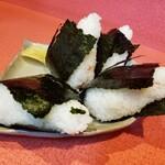 まるぶん - 料理写真:すじこ、梅、鮭、おかか