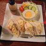 珈琲屋 松尾 - 料理写真:ミックスサンドイッチのハーフサイズ(たっぷり)