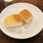 マッジョーレ - 3個ありましたが、1個食べてしまったパン