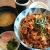 里芭亭 - 料理写真:名物カルビスタミナ丼