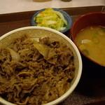 すき家 - 牛丼(並)+とん汁&おしんこ 牛丼祭で380円