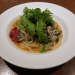 BISTRO KOUZO - 牡蠣とドライトマトのオイルパスタ