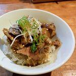 ダルマ - 肉飯