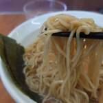 中華そば ひびき - 麺アップ
