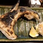 地鶏割烹 稲垣 - 鰤カマ