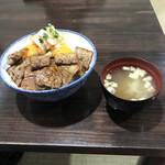 六味庵 - 料理写真:きまり丼¥800