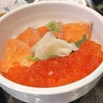 124222497 - 鮭親子丼 いくらの味付けが絶妙