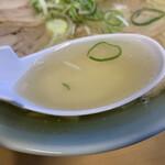 124224378 - 味わい深いスープ