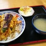 萬屋 - 天丼としじみのみそ汁