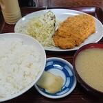 盛岡食堂 - トンカツ定食780円