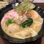124253778 - 特製濃厚鶏ソバ1100円