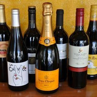 ソムリエ厳選!世界約20ヵ各国のワインリストを取り揃え。