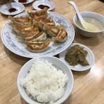 ぎょうざの満洲 - 「ダブル餃子定食(小ライス)」570円