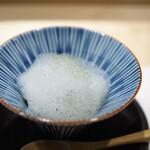しんせん 割烹 佐乃家 - 前菜 茶碗蒸し 牛蒡のピュレ 蓮根 穴子 ネギ 山椒のエスプーマ