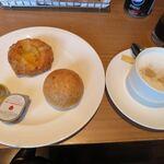 シェラトン都ホテル東京 - 料理写真:パン・カフェラテ