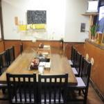 12427691 - 一階の囲炉裏テーブル席